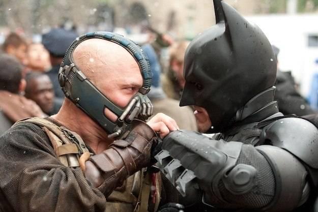 Nếu không gặp sự cố, biết đâu The Dark Knight Rises sẽ vượt mặt The Avengers! Ảnh: THR.