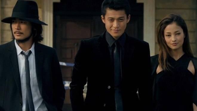 Shun Oguri (giữa) là gương mặt quen thuộc của các bộ phim được chuyển thể từ manga.