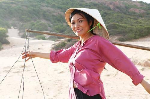 Ca sỹ Phương Thanh trong một cảnh quay