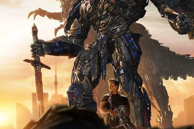 Transformers: Age of Extinction nắm giữ ngôi vị quán quân tại phòng vé Bắc Mỹ trong kỳ nghỉ cuối tuần thứ hai liên tiếp.