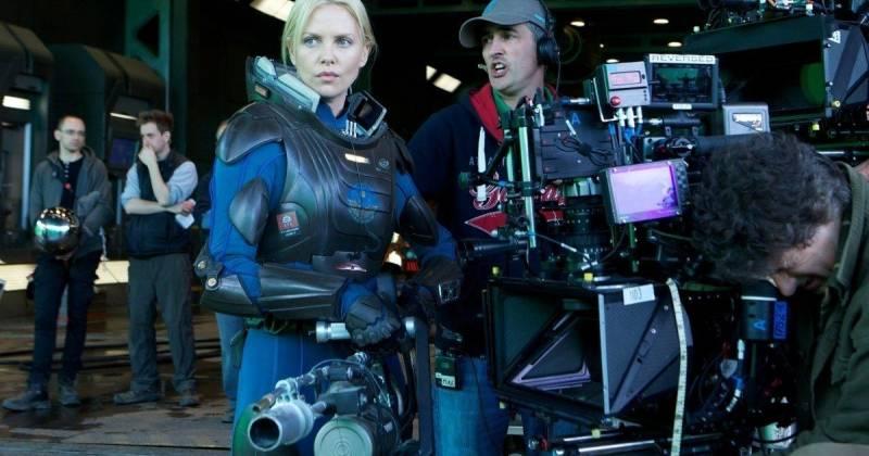 Charlize Theron chuẩn bị trước một cảnh quay quan trọng. Ảnh: Fox.