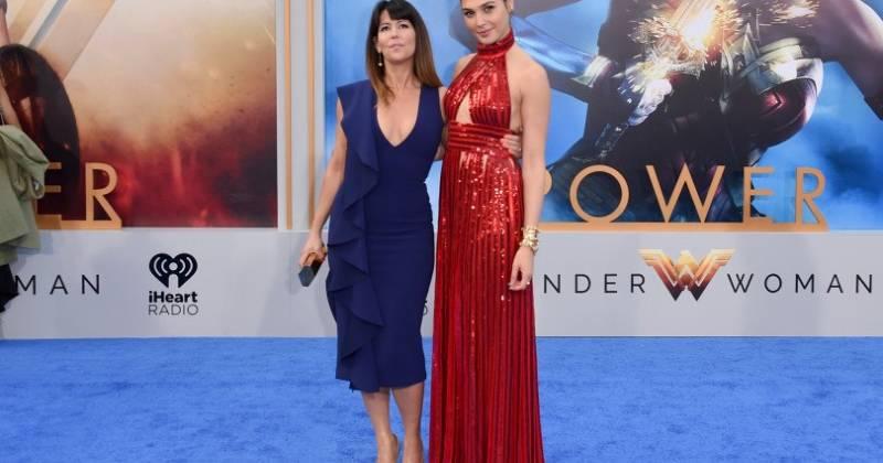 Đạo diễn Patty Jenkins cùng Gal Gadot.