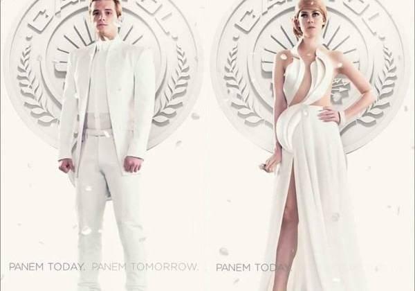 Peeta Mellark (Josh Hutcherson) và Johanna Mason (Jena Malone) - hai phiến quân kiêm vật tế đến từ Quận 12 và Quận 7. Thay vì là đối thủ của nhau như Capitol mong muốn, họ lại trở thành đồng minh tại Huyết trường tứ phân và cùng bị bắt.